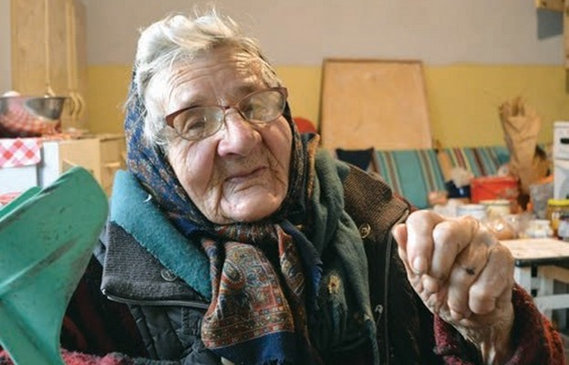 Izabela Wojtaś chętnie opowiada historię, która zdarzyła się tu w pewną grudniową noc tuż przed II wojną światową