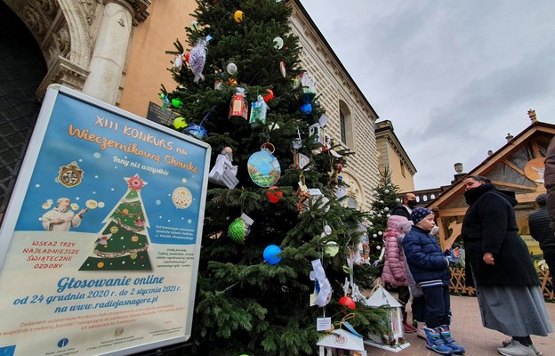Jasna Góra: takiego świątecznego drzewka nie ma nigdzie indziej