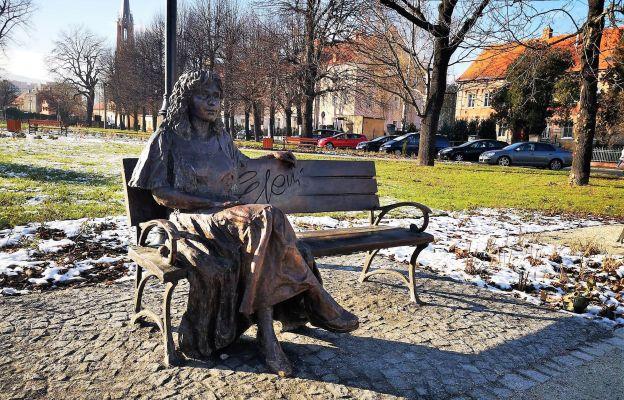 Z pewnością niejeden Bielawianin zasiądzie na ławeczce razem z Eleni
