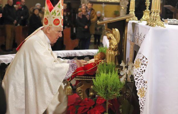 Bp Ignacy Dec podczas Pasterki w katedrze świdnickiej