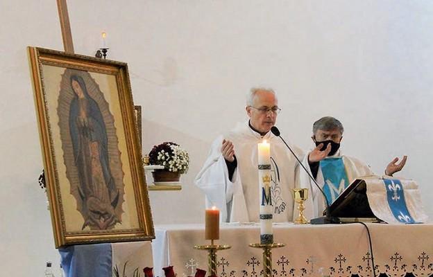 Modlitwie za przyszłe matki przewodniczyli duszpasterze parafii