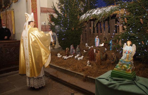 Okadzenie szopki w jezuitów w Kłodzku