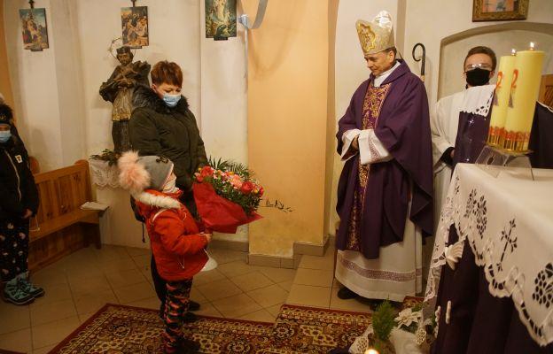 Miejscowa wspólnota wita biskupa Adama
