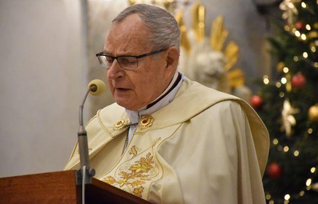 Bp Długosz: Czy Jezus był obecny w naszym życiu w mijającym roku?