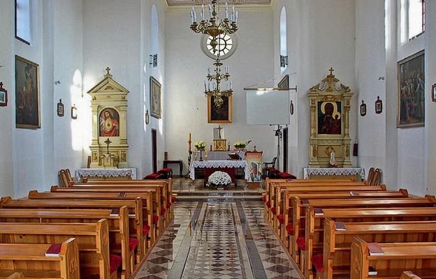 Wnętrze  wyremontowanej  świątyni