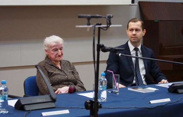 Dr Wanda Półtawska podczas pamiętnego wykładu.