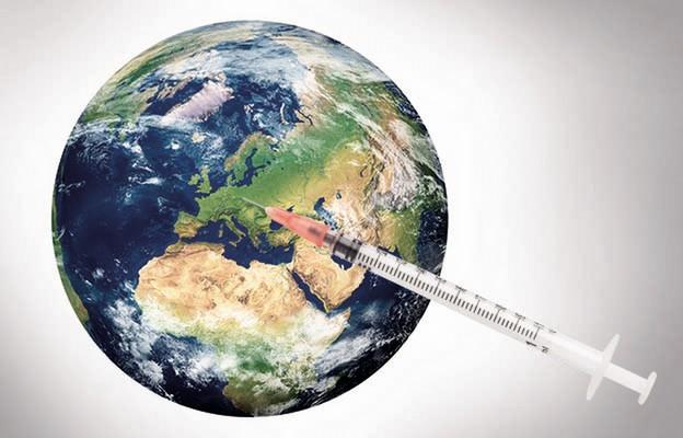 Jak szczepi się świat