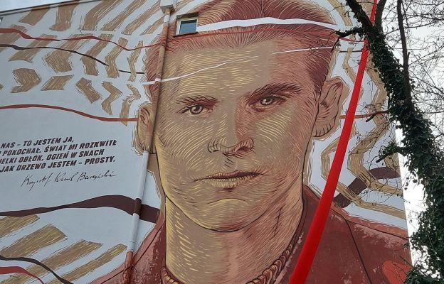 Mural na Solcu upamiętniający Krzysztofa Kamila Baczyńskiego