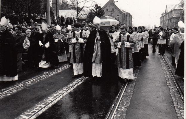 Pogrzeb bp. Wilhelma Pluty