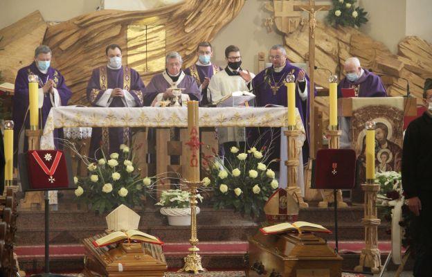 Msza św. pogrzebowa w kościele Pierwszych Męczenników Polski w Gorzowie