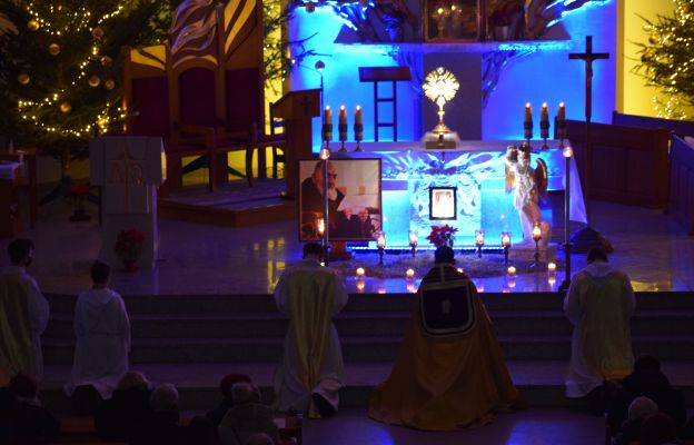 Po Mszy św. odbyło się nabożeństwo w intencji dzieci połączone z adoracją Najświętszego Sakramentu