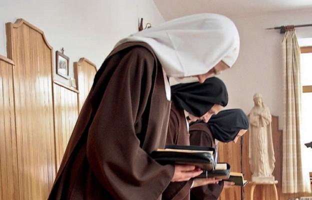 Mniszki Bose Najświętszej Maryi Panny zGóry Karmel