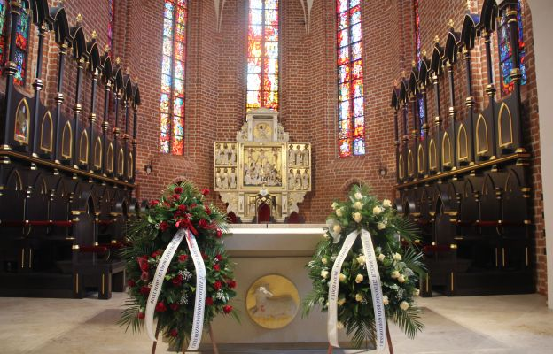 Odnowione prezbiterium katedry