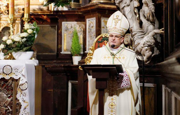 Biskup Marek dziękował wszystkim, którzy zabiegają o piękno katedry świdnickiej