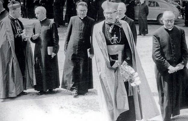 Biskup Pluta oczami bp. Jeża (2)