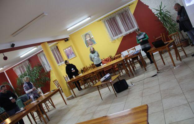 Warsztaty rozpoczęły się od wspólnej modlitwy