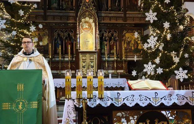 Nabożeństwo słowa Bożego poprowadził ks. Radosław Mielczarek