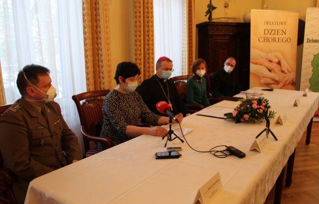 Pielęgniarka Wojewódzkiego Szpitala w Gorzowie Wlkp. Monika Rubaszewska o bliskości wobec pacjenta, które jak zaznacza papież Franciszek ma być balsamem dającym wsparcie i pocieszenie