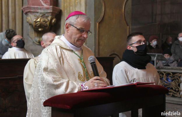 Bp Marek Mendyk, Świdnickiej Pani zawierzył wszystkich chorych i troszczących się o cierpiących