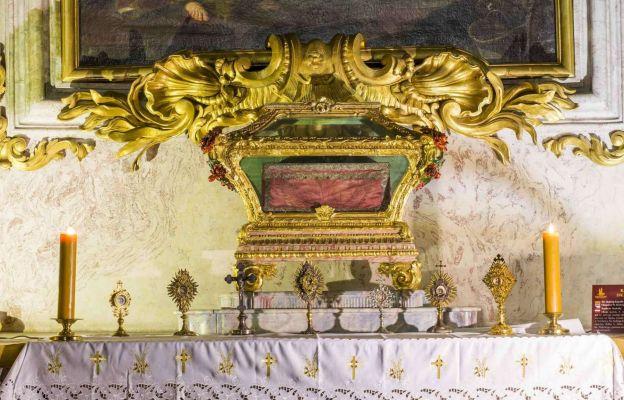 relikwiarz w Mauzoleum Piastów