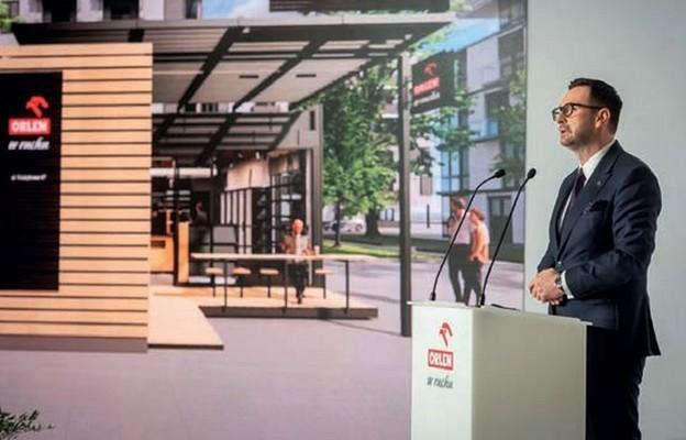 Prezes PKN Orlen Daniel Obajtek zaprezentował nową strategię rozwoju przejętej sieci Ruch