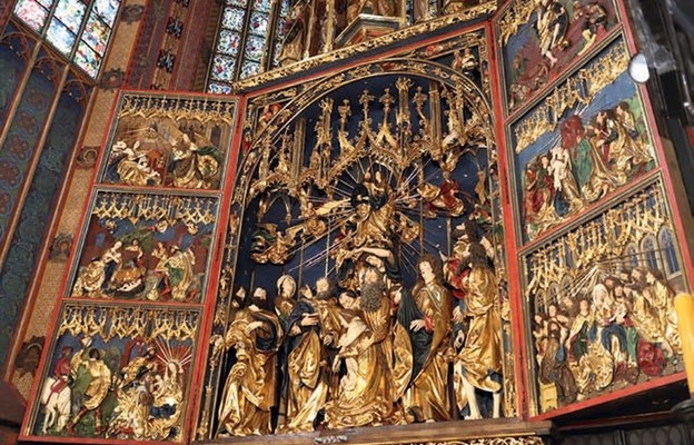 Ołtarz Mariacki dłuta Wita Stwosza, już po konserwacji, można oglądać codziennie w godz. 11.30-18
