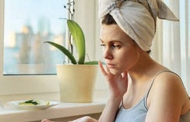 Domowe sposoby na suchą skórę twarzy