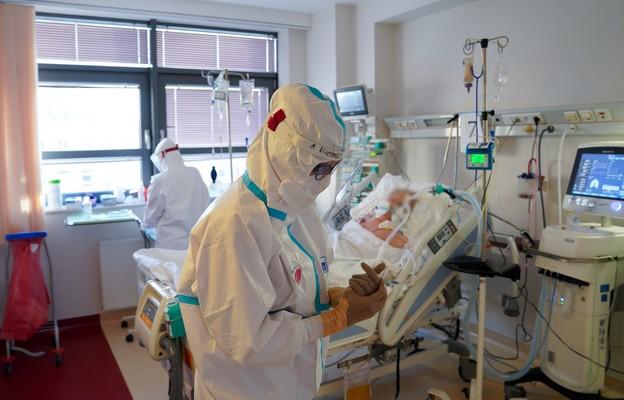 Immunolog: jesteśmy w złym momencie epidemii, obostrzenia już nużą