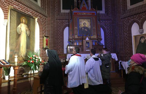 Modlitwa uwielbienia w parafii św. Michała Archanioła we Wrocławiu-Ołbinie