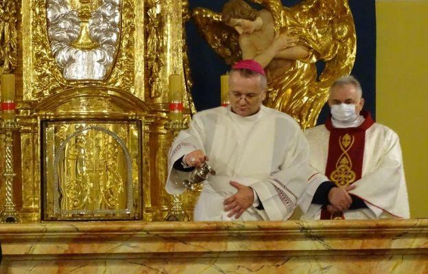 Wschowa: Biskup konsekrował ołtarz