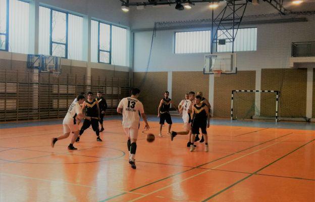 Klerycy MWSD we Wrocławiu w koszykarskiej akcji