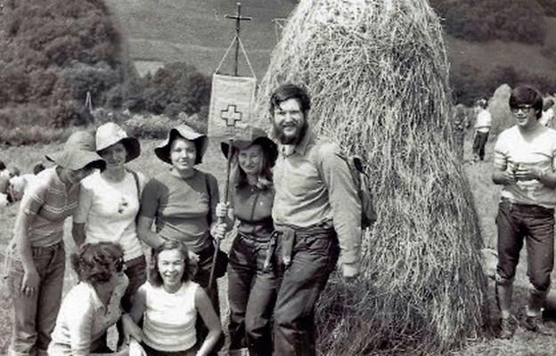 Teresa Pełka (czwarta z lewej) podczas pierwszej oazy w Krościenku