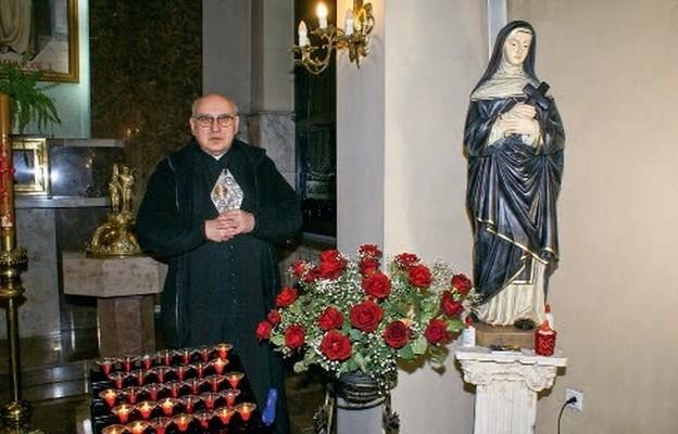 Ks. Zdzisław Reterski z relikwiami św.Rrity