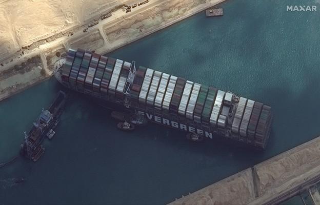 Egipt: Próba odblokowania Kanału Sueskiego nie powiodła się