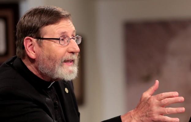"""O. Mitch Pacwa dla """"Niedzieli"""": Nic w stworzonym świecie nie ma większej mocy niż Bóg"""