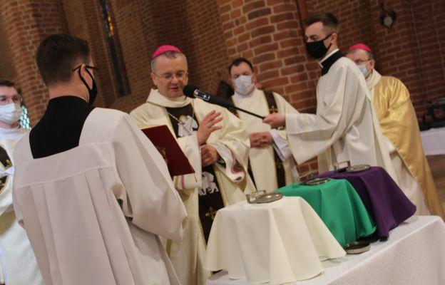 Gorzów: Biskup poświęcił oleje święte