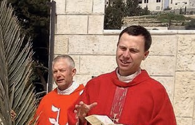 Ks. dr Dariusz Jaros podczas Liturgii Niedzieli Palmowej w Jerozolimie