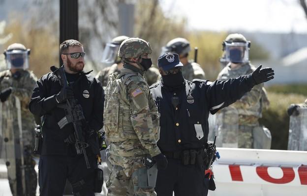 USA: Samochód wjechał w barykadę przy Kapitolu