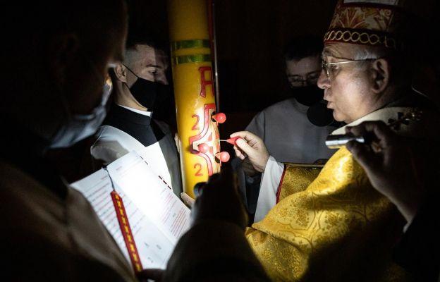 Abp Depo: Zmartwychwstanie Chrystusa jest eksplozją światłości