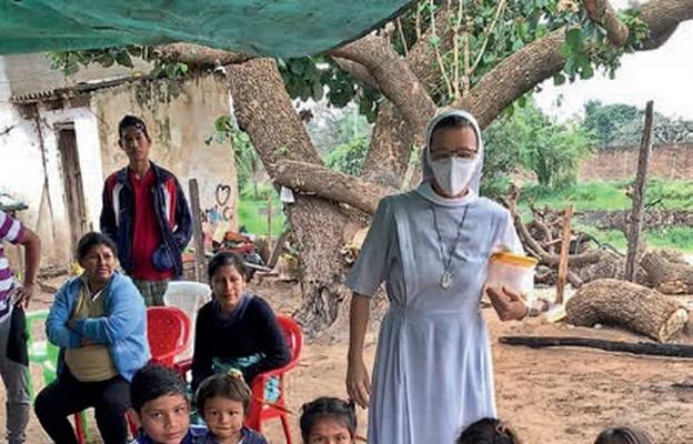 Siostra Violeta Nica od lat niesie pomoc potrzebującym na misjach