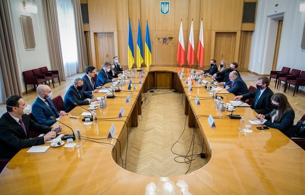 Rau po wizycie w Kijowie: niepodległa i bezpieczna Ukraina niezbywalną częścią Europy