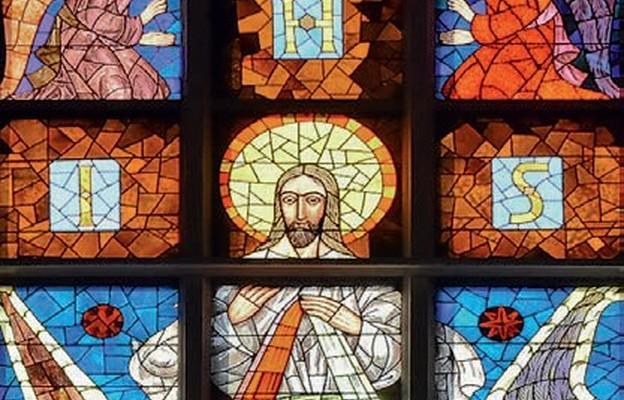 Pierwszy w Polsce witraż z wizerunkiem Jezusa Miłosiernego