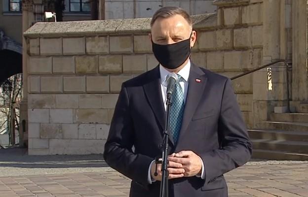 Prezydent: wszyscy, którzy zginęli pod Smoleńskiem mieli w sercach poczucie odpowiedzialności za kraj