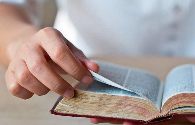 Pokochać Pismo Święte