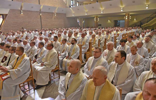 Msza Krzyżma w kościele seminaryjnym Jezusa Chrystusa Najwyższego i Wiecznego Kapłana w Częstochowie, Wielki Czwartek, 17 kwietnia 2019 r.