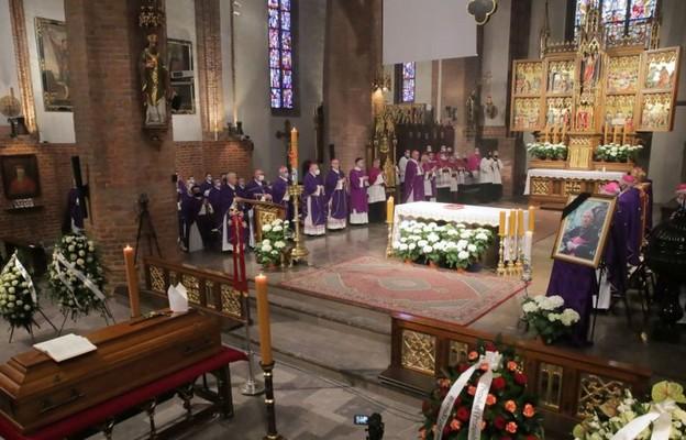 Olsztyn: Pogrzeb arcybiskupa Wojciecha Ziemby