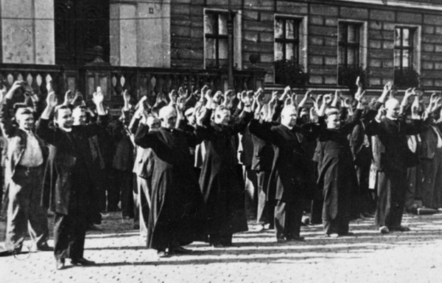 Hołd dla ofiar totalitaryzmów - Kościół w Polsce obchodzi Dzień Męczeństwa Duchowieństwa Polskiego