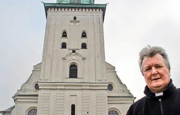 Cieszymy się, że władze naszego miasta zaangażowały się w rewitalizację kościoła parafialnego – mówi ks. kan. Zbigniew Samociak