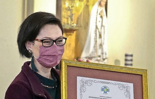 Dr Aneta Rayzacher-Majewska