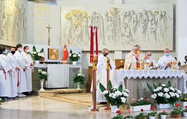 Eucharystii przewodniczy bp Jan Piotrowski